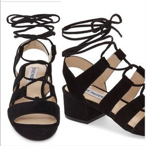 Steve Madden Kitty Ghillie Sandals